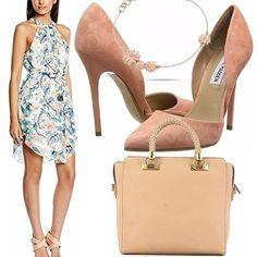 Sta arrivando l'estate, diamo spazio ai colori: un outfit allegro e colorato con questo vestitino a fondo bianco e stampa a fiori, scarpe con tacco rosa pastello, borsa grande in ecopelle rosa, bracciale in acciaio anallergico Morellato con deliziosi fiorellini!