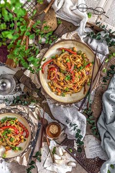 Vegan Kung Pao Noodles - Monkey and Me Kitchen Adventures Veggie Recipes, Lunch Recipes, Asian Recipes, Whole Food Recipes, Dinner Recipes, Healthy Recipes, Ethnic Recipes, Veggie Food, Meal Recipes