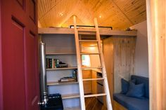 Custom Designed & Built Midwest Tiny House by ALEX PINO on MAY 16, 2013    I absolutely love it when people use their creativity when design...