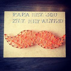Papa met jou zit het altijd snor Little Presents, Family Presents, Diy For Kids, Crafts For Kids, Cadeau Parents, Karten Diy, Fathers Day Crafts, Kids Corner, Mother And Father