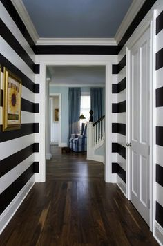 striped hallway-gotta have this in my house Deco Design, Design Case, Design Design, Style At Home, Striped Hallway, White Hallway, White Walls, Striped Room, Long Hallway
