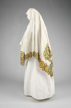 Wedding Veil. late 19th century, Czech. The Metropolitan Museum of Art, New York. Brooklyn Museum Costume Collection at The Metropolitan Museum of Art, Gift of the Brooklyn Museum, 2009; Ella C. Woodward Memorial Fund, 1931 (2009.300.2325)