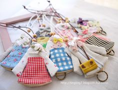 Pin by TamakiYui on handmade : TamakiYui Fabric Origami, Key Pouch, Key Covers, Japanese Flowers, Doll Clothes, Diy And Crafts, Sewing Patterns, Coin Purse, Gift Wrapping