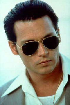 Nothing beats a classic pair of Ray Ban aviator glasses. Johnny Depp as Donnie Brasco Donnie Brasco, Cheap Ray Ban Sunglasses, Sunglasses Outlet, Sunglasses Online, Sunglasses Women, Oakley Sunglasses, Pink Sunglasses, Luxury Sunglasses, Male Models