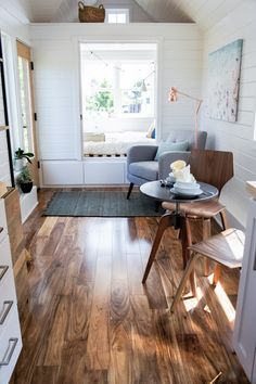 Tess:+a+stunning+modern/rustic+tiny+home,+available+for+sale+from+TruForm+Tiny+Homes.