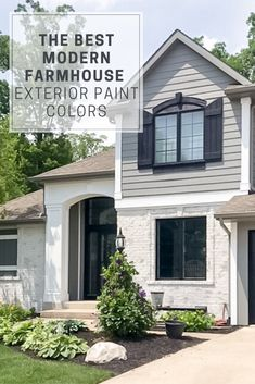 The Best Modern Farmhouse Exterior Paint Colors Paint your home's exterior with the best Sherwin Williams farmhouse gray tones. Looks amazing with a limewash brick. Farmhouse Exterior Colors, Exterior Gray Paint, Exterior Paint Colors For House, Exterior Design, Exterior Siding, Modern Exterior, Conquistador, Grey Brick Houses, Stone Houses