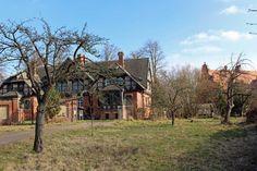 Malen in der Schlossgärtnerei und dem Schlosspark Wiligrad   alte Obstbäume in der Schlossgaertnerei Wiligrad (c) FRank Koebsch