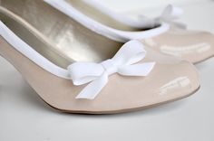 Add a bow to boring high heals with bias tape and fabric glue.