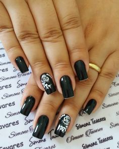 29 Decorated Nail Ideas You Can Do It Yourself Toe Nail Designs, Beautiful Nail Designs, Flower Nails, Gorgeous Nails, Black Nails, Nail Arts, Manicure And Pedicure, Nail Inspo, Toe Nails