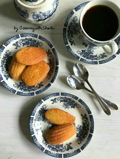 Classic Honey French Madeleines