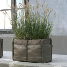 Born out of the frustration of using traditional planters, which are often immobile, heavy and expensive, designer Godefroy de Virieu worked with landscapers Virgile Desurmont and Louis de Fleurieu to create these cutting-edge plant bags. Flush with plant-friendly features, your seedlings will love these Bacsacs. Baclong 2 Pocket 2.5 Cubic Feet $78