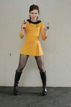 And You Thought Star Trek Was Just For Nerds! 32 Of The Hottest Trekkie Cosplay Girls Star Trek Cosplay, Batman Cosplay, Star Trek Kostüm, Star Trek Ships, Star Trek Images, Star Trek Characters, Star Trek Original, Star Trek Universe, Best Cosplay
