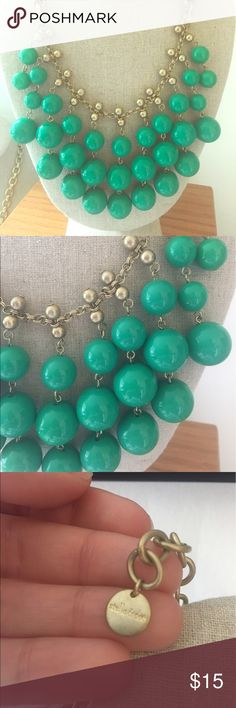 Stella and Dot Statement Necklace Green and gold Stella and Dot Statement Necklace. Worn a few times, like new condition. Stella & Dot Jewelry Necklaces
