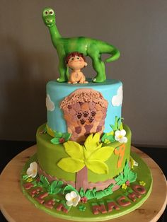 Arlo and Spot Good Dino The Good Dinosaur Cake, Dino Cake, Birthday Cake Girls, Dinosaur Birthday, Frozen Disney, Arlo Und Spot, Jurassic World Cake, Jungle Cake, Cake Smash Photos