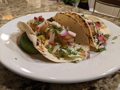 The Easiest Fried Fish Tacos Ever with a siracha crema and a avocado crema. Check out the recipe with a shortcut that surprised even me. Fried Fish Tacos, Megan Mitchell, Avocado Crema, Beer Battered Fish, Fajitas, Great Recipes, Cooking, Ethnic Recipes, Check