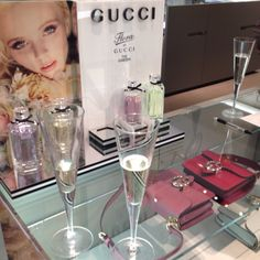 Shopping with Prosecco