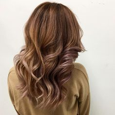 Some wednesday inspiration ❤️ #hairinspo #hairofinstagram #brainwashkappers #hairdresser #curls #balayage