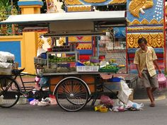 Penang Malaysia   Soooo many food carts in Malaysia and they're delicious food!  Best split pea soup ever as I escaped from my host at Malaysian Indian restaurant to do a quick run to carts below! I've a very independent traveler! LOL