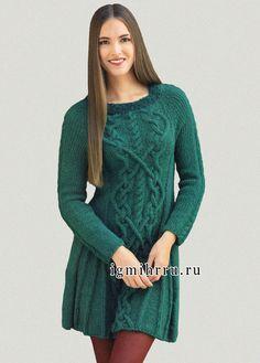 Зеленое шерстяное платье с роскошными ирландскими узорами.