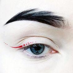 "Learn additional information on ""eyeliner styles"". Look into our internet site. Eye Makeup Art, Eye Art, Makeup Inspo, Makeup Inspiration, Makeup Tips, Hair Makeup, Makeup Geek, Makeup Ideas, Red Eyeliner"