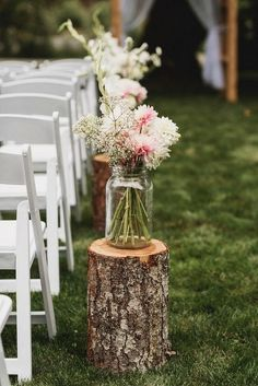 mason jars and flowers outdoor wedding aisle decoration ideas [tps_header]Got a lot of mason jars that you don't need? Guys, I've found so many creative ways to use them for your wedding decor! Mason jars are ideal Rustic Wedding Decorations, Wedding Centerpieces, Wedding Rustic, Altar Decorations, Wedding Country, Country Chic Weddings, Rustic Vintage Weddings, Rustic Outside Wedding, Countryside Wedding