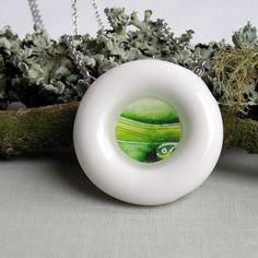 porcelain and resin, by Šárka Schmelzerová, 2013