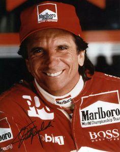 Fittipaldi, aos 42 anos, entrou para a história do automobilismo brasileiro e americano, por ter sido o primeiro estrangeiro a vencer a Fórmula Indy.