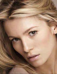 Model Aleksandra Rogowska // http://www.modelwire.com/webCS/portfolios/LinkedPortfolioView.aspx?tpl=2x1STbtn&pflID=a1eab9b4-4f78-47ae-a4d7-99307d8fa8db
