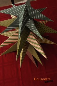 Housewife Eclectic: Origami Christmas Trees (A Tutorial)