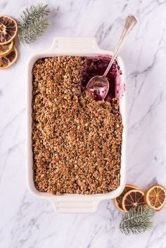 Christmas Speculoos Crumble - He . - Christmas speculoos crumble – vegan, purely vegetable, gluten-free, without refined sugar – de. Healthy Crumble, Vegan Christmas Desserts, Cake Vegan, Desserts Sains, Sin Gluten, Snacks, Healthy Dessert Recipes, Vegetarian Recipes, Sweets