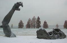 Sculpture by artist J. Seward Johnson, entitled The Awakening, Washington DC Maryland, Statues, Prince George County, Seward Johnson, Chef D Oeuvre, Public Art, Installation Art, Art Installations, Les Oeuvres