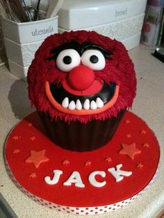 Animal from The Muppets giant cupcake - by Bezmerelda @ CakesDecor.com - cake decorating website