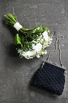 Virkattu juhlalaukkku, ohje Kotilies.fi Diy Bags Purses, Knit Crochet, Upcycle, Crafty, Knitting, Mistakes, Crocheting, Beautiful, Metal