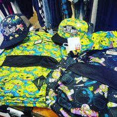 VANS  TOY STORY! Colección limitada disponible ya en @disasterstreetwear @theplacesoho siempre al mejor precio! ENVIOS 24 HORAS AQUI:  WWW.DISASTER.ES.   Pago contra reembolso  en casa o con tarjeta   WWW.DISASTER.ES  Estamos en calle Córdoba Soho Málaga  @disasterstreetwear@theplacesoho  #VANS #toystory #disney #sudadera #crewneck #hoodie #skate #sk8shop #streetwear #indi #indy #malaga #disasterstreetwear #theplacesoho