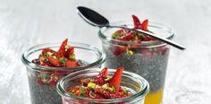 """""""Vegan to Go"""": Chia-Vanille-Pudding mit Mangocreme und Erdbeeren"""