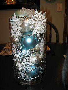 37 Homemade Christmas Table Decorations Centerpieces Ideas - About-Ruth Homemade Christmas Table Decorations, Blue Christmas Decor, Coastal Christmas, Silver Christmas, Christmas Crafts, Nordic Christmas, Modern Christmas, Christmas Ideas, Winter Wedding Centerpieces