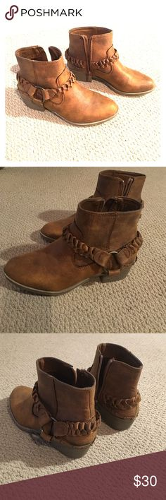 Brown booties XOXO Chestnut brown booties, barely worn. Great condition, super cute! XOXO Shoes Ankle Boots & Booties