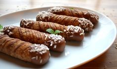 Seige kransekakestenger uten tilsatt sukker! - LINDASTUHAUG Sausage, Gluten, Meat, Snacks, Food, Blogging, Appetizers, Sausages, Essen