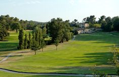 A guide of the Golf Courses in the French Riviera St Andrews Golf Club, Famous Saints, Best Golf Courses, Villa With Private Pool, French Riviera, Outdoor Spaces, Old Things, Outdoor Rooms