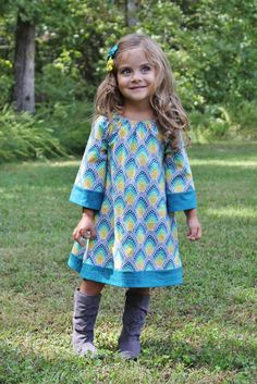 Adorable peasant boho dress, and she explains how to make your own pattern for it! Great tutorial!