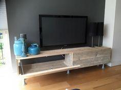 Pallet TV Stand
