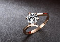 Round Moissanite Engagement Ring Rose gold por Donatellawedding, $380,00