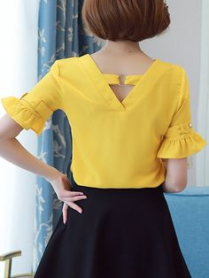 Specifications Product Name: V-Neck Plain Bell Sleeve Blouse Weight: Slee. 2019 summer t shirt summer nights t shirt sleeve summer t shirt half sleeve t shirts sleeveless tee t shirt t shirt dresses shirt bobo summer cup tshirt Sommerkleider Trend 2019 Dress Neck Designs, Blouse Designs, Blouse And Skirt, Dress Skirt, Bell Sleeve Blouse, Bell Sleeves, African Fashion Dresses, Fashion Outfits, Fashion Blouses