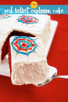 Celebrate the fourth of July with this stunning red velvet cake. The homemade frosting is buttery and patriotic. A great party dessert recipe! Fourth Of July Cakes, Fourth Of July Food, July 4th, Velvet Cake, Red Velvet, Cake Land, Blue Frosting, Homemade Frosting, Can I Eat