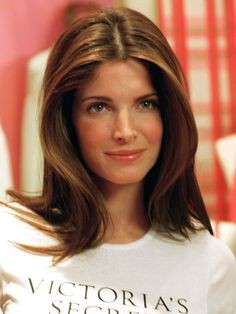 Stephanie Seymour // Old-school VS