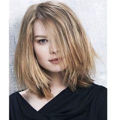 Cienkie włosy wymagają odpowiedniej fryzury, która sprawi, że staną się optycznie gęstsze i nabiorą sprężystości. Jakie fryzury półdługie są idealne dla cienkich włosów? Oto 20 najlepszych propozycji.