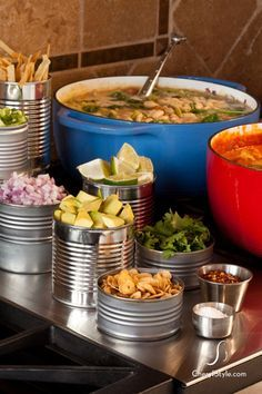 Self-serve chili bar - Everyday Dishes & DIY - - Looking for a fun and low maintenance dinner idea? Try this self-serve chili bar at your next get-together. Pozole, Chili Bar Party, Nacho Bar, Slow Cooker Chili, Soup Bar, Chili Cook Off, Cooking Chili, Chili Chili, Gourmet