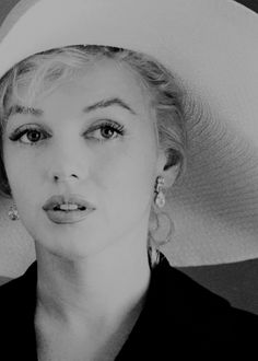 missmonroes: Marilyn Monroe photographed by Carl Perutz, 1958.