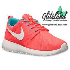 NEW COLOR!!  Nike Roshe Run  - Women