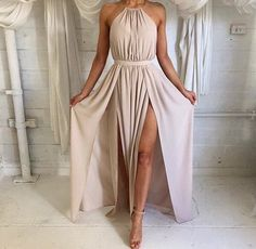 Image via We Heart It #beige #boda #chicas #color #conjunto #dress #female #girl #high #large #lovely #moda #outfit #style #vestido #tacones #claro #cute